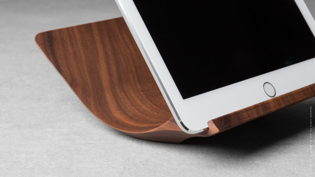 05 yohann product YA1WA ipad stand normal size walnut wood close up with ipad